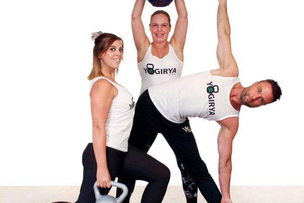yogiry trio met logo